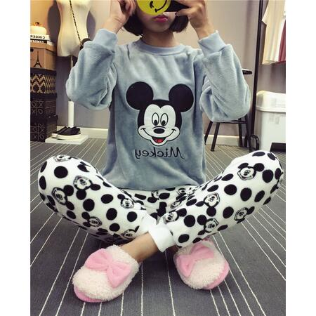 Autumn and Winter Women Pyjamas Sets Thick Warm Coral Velvet Suit Flannel Long Sleeve Female Cartoon Bear Animal Pants Sleepwear